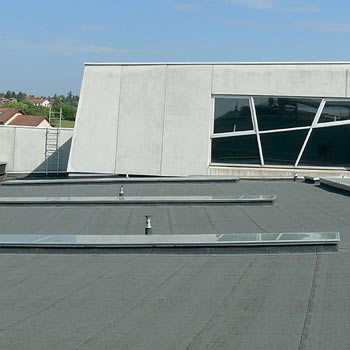 Ventilair-protection-traversees-aluminium-isolation-etanche-etancheite-ventilair-aeration-toiture-toit